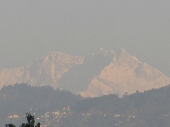 Kurseong Tourist Lodge : Early morning from WBTDC tourist lodge - Kurseong