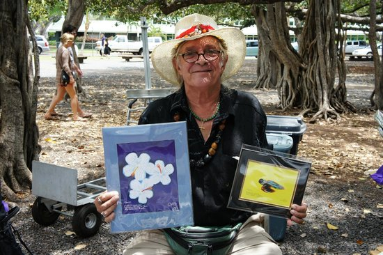 Old Lahaina Courthouse : Brian DeBris - local artist