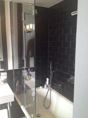 The Ampersand Hotel: Bathroom luxury & Style