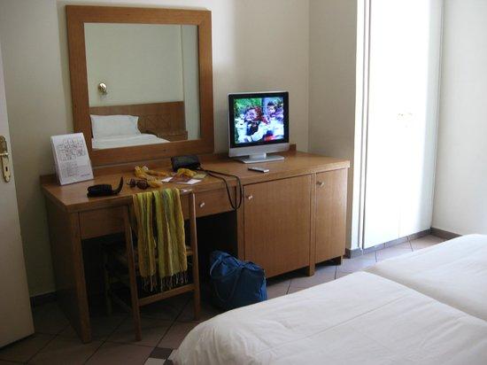 Achillion Hotel: Номер 215