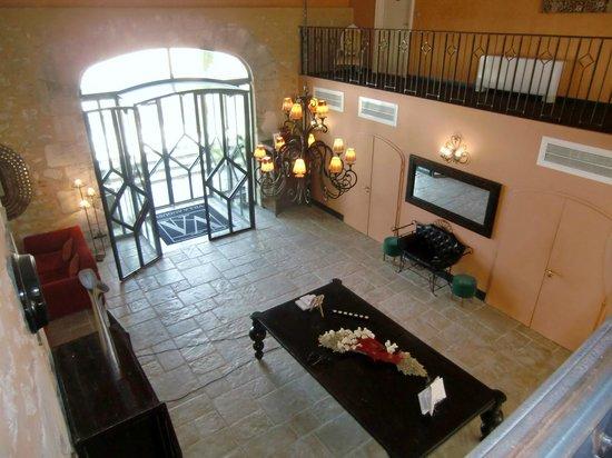 Villa Augusta : hall d'entree