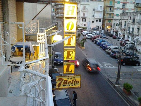 Hotel 7 Bello: vista sull'atrio