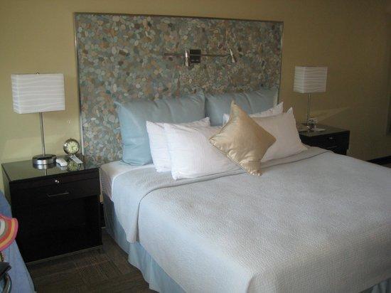 Inn At East Beach: Our room