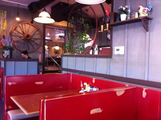 The Historic Pioneer Restaurant: salle
