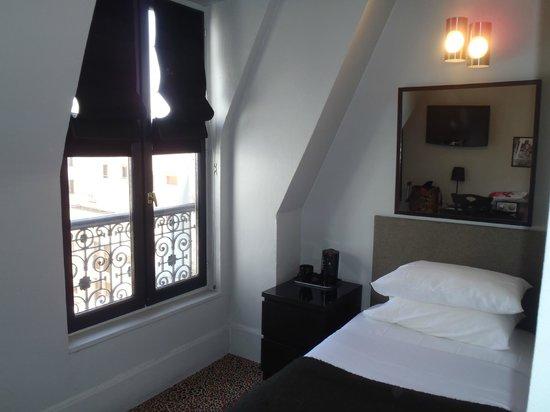 Alba Opera Hotel: Guest Room