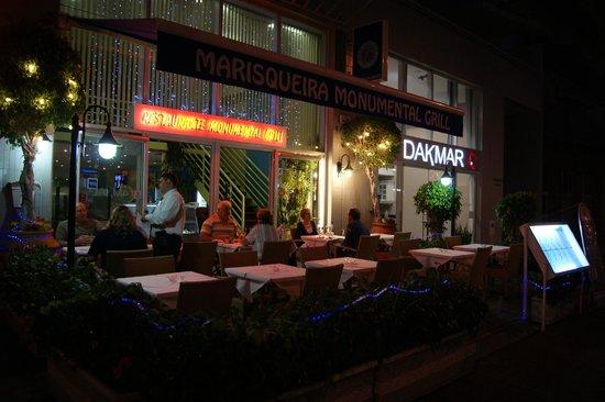 Monumental Grill : Vue extérieure du restaurant