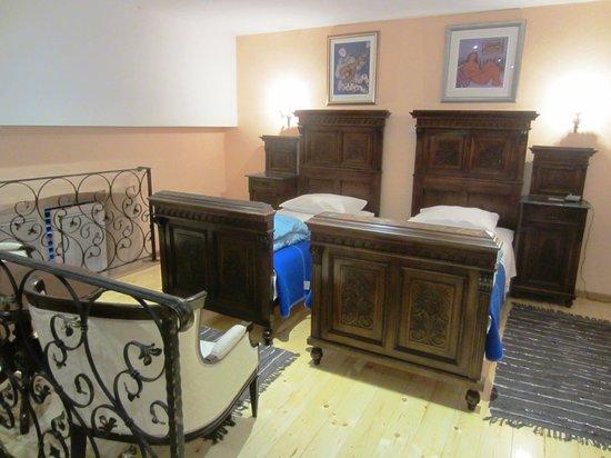 Amoret Apartments: Bedroom loft area of Royal apartment