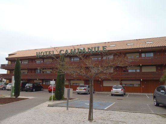 Campanile Narbonne : The Hotel Building