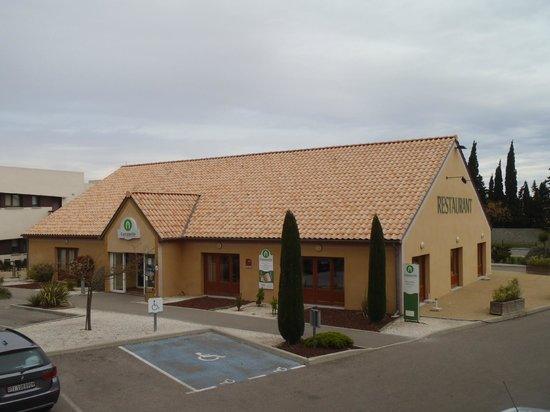Campanile Narbonne : The Reception and Restaurant Building