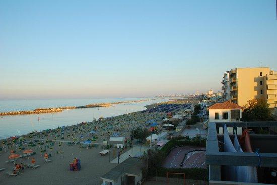 Hotel Clitunno: panorama  latoo mare