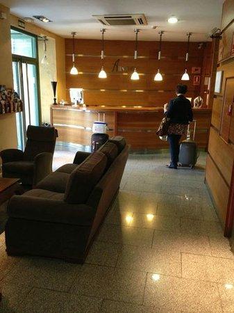 Hotel Ateneo Puerta del Sol: hall