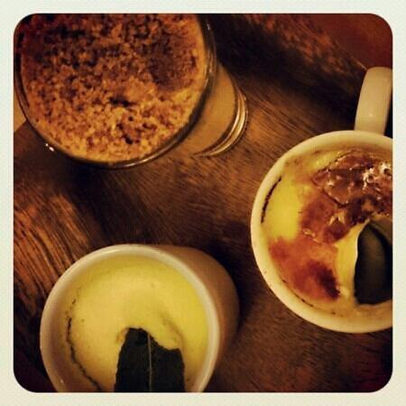 Cranes Wine Cafe: Amazing triple desserts!