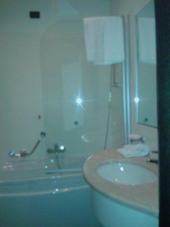 Park Hotel Cassano: Bagno con tutti i comfort