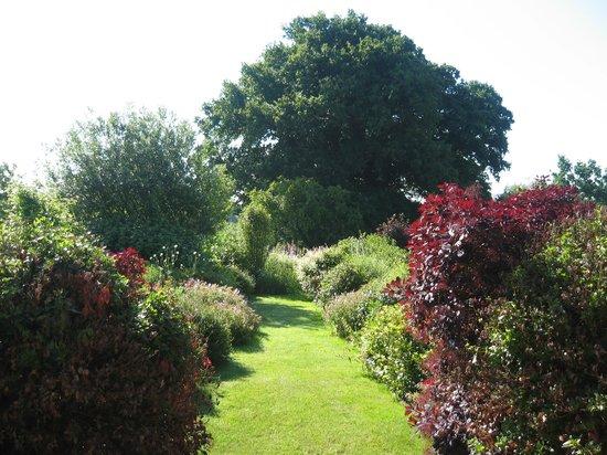 Warren Farm Lodge: Gardens