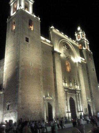 Luz En Yucatan: Cathedral in the Plaza