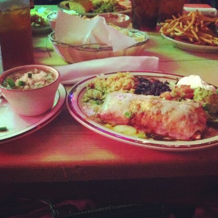 Border Cafe: Gumbo, Chicken Burros with sour cream and guacamole