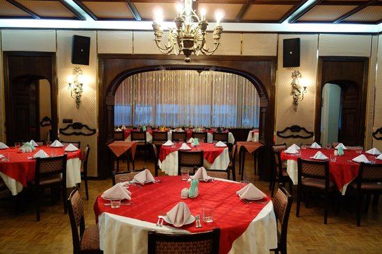 Armenian Club: interior