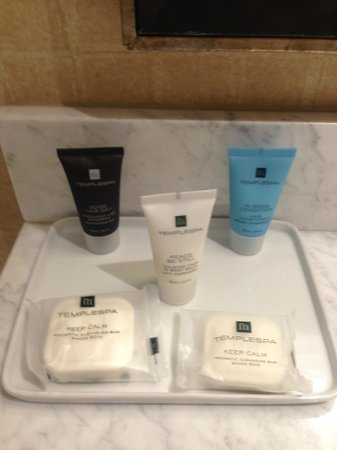 Crowne Plaza Providence-Warwick Airport: bathroom amenities (templespa)