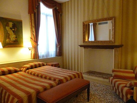 Hotel Bella Venezia: Chambre 103
