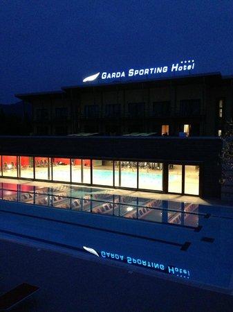 Garda Sporting Club Hotel : Garda Sporting @ night