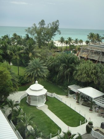 The Palms Hotel & Spa : View from room