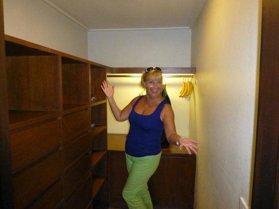 Chateau de Bangkok: Walk in Closet