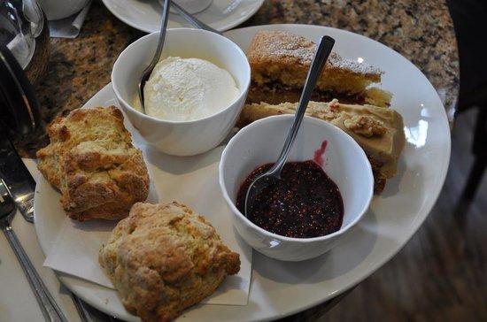 Barton's Tea Rooms: Barton's Cream Tea
