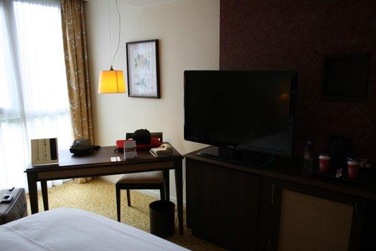 Mercure Lille Metropole Hotel : bureau sympa et pratique