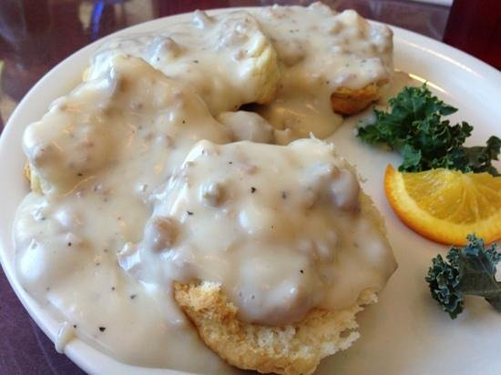 St Helen's Restaurant and Sports Bar: biscuits and gravy
