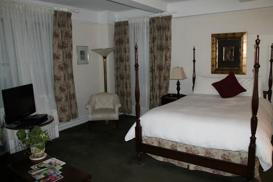 Roger Smith Hotel: suite on 12th floor