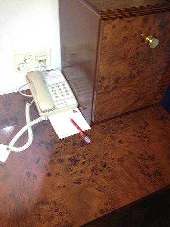 Thon Hotel Opera: Teléfono