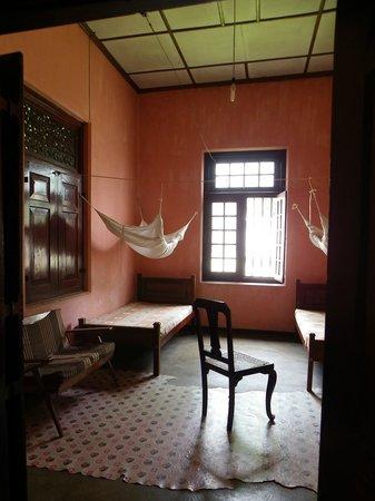 Burmese Rest: a glance of a unready room