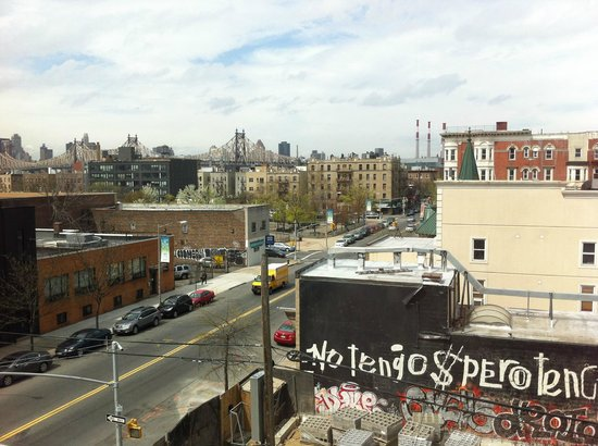 MoMA PS1 : View to Queensboro Bridge