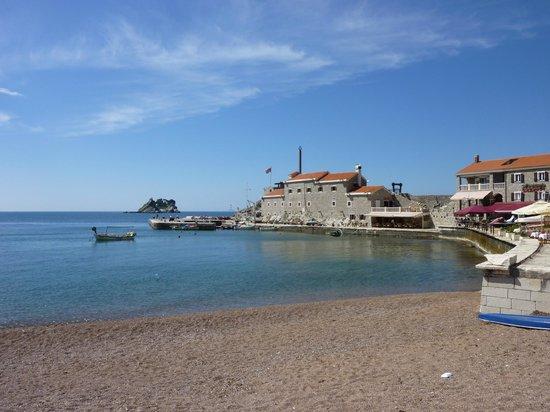 Petrovac, Monténégro : Pétrovac et sa plage