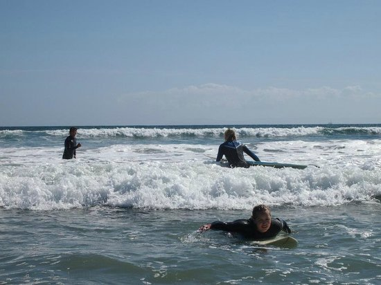 Dana Point, Kaliforniya: We offer a variety of locations suitable for every level of Surfing.