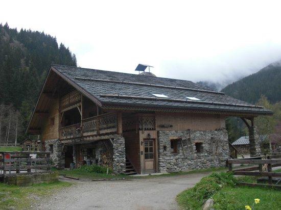 Auberge Nemoz : The restaurant building
