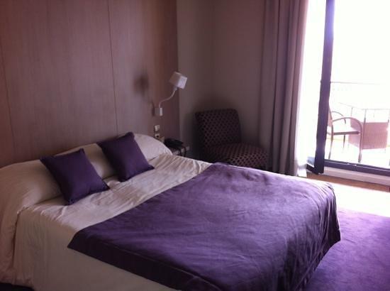 Aquabella Hotel: chambre confort av balcon 318
