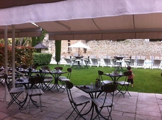 Aquabella Hotel: terrasse av piscine