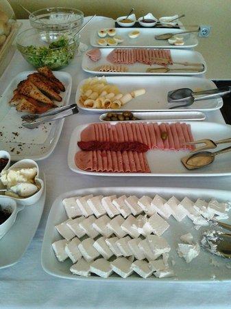 Garni Hotel Hamburg: Breakfast