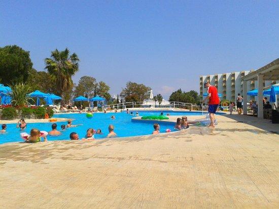 TUI FAMILY LIFE Kerkyra Golf: The Main Pool
