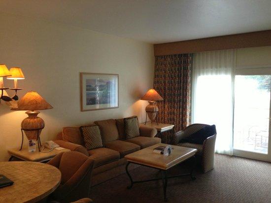 Scottsdale Plaza Resort: Entertainment Area