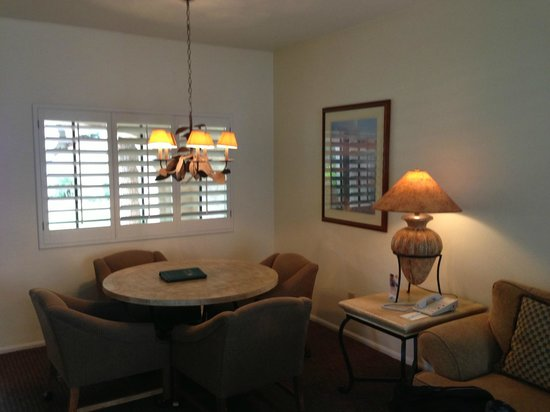 Scottsdale Plaza Resort: Dining Nook
