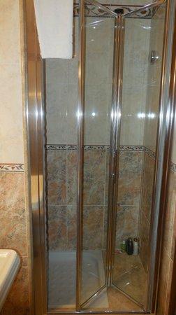 Hotel Artorius : bathroom