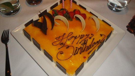 Secrets The Vine Cancun: birthday cake the grill