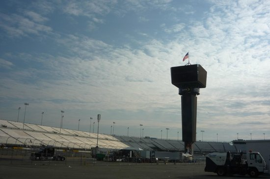 Richmond International Raceway: Inside the loop
