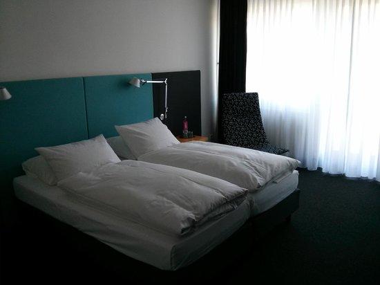 Hotel OTTO: bed