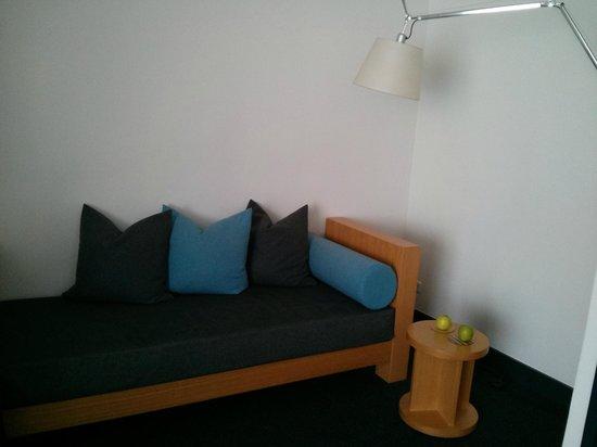 Hotel OTTO: couch