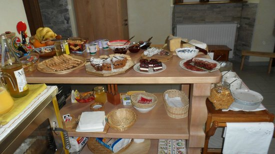 B&B Il Grappolo Valtellina: Buffet du petit-déjeuner