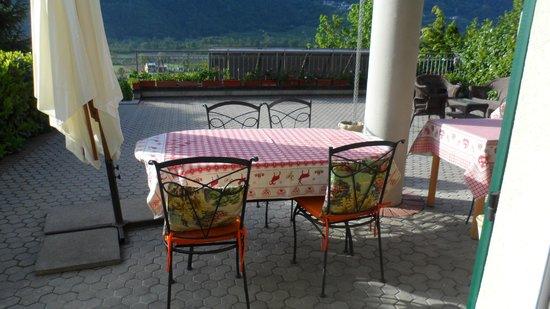 B&B Il Grappolo Valtellina: Terrasse