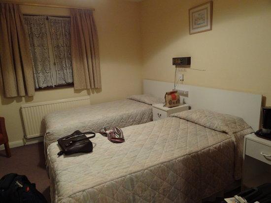 Kempsford House Hotel: Room